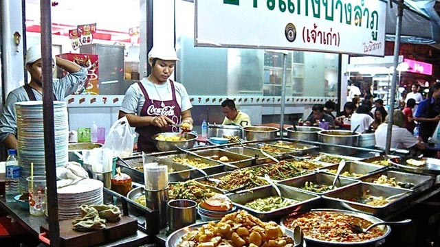 Explore Thai street food