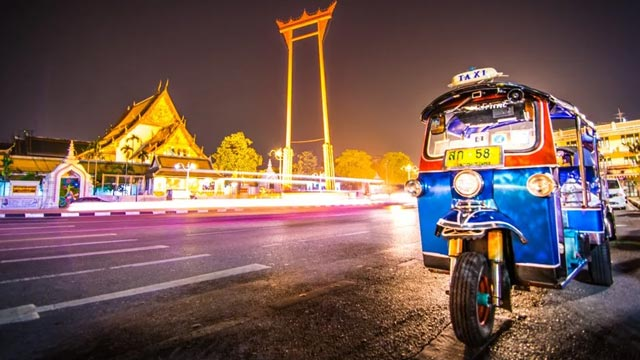 Ride in a Tuk Tuk