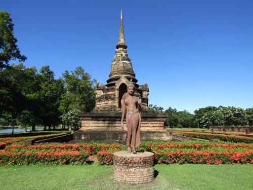 Admire the great Wat Sa Si